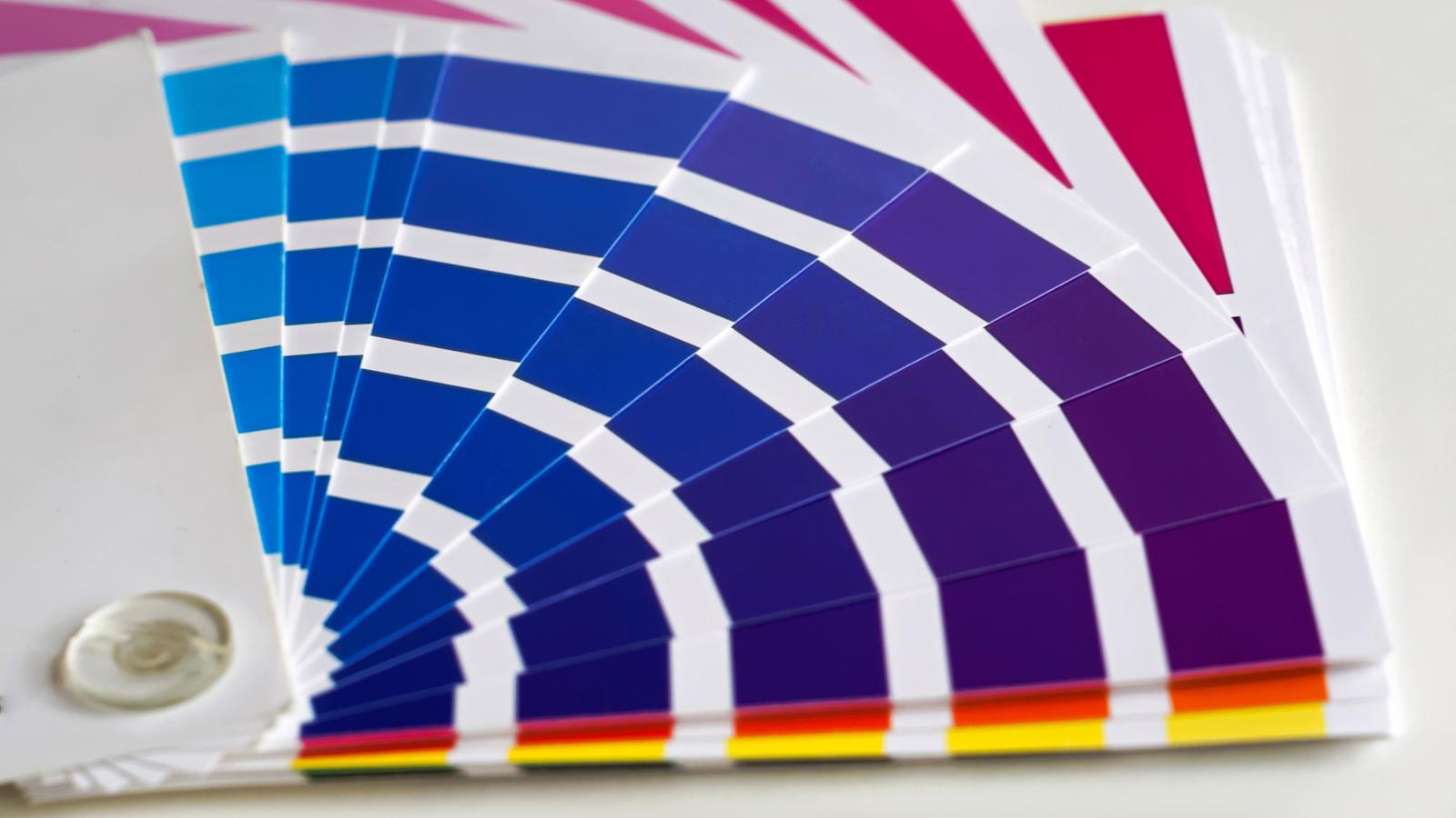 agentur weissraum grafenau ausbildungsplatz Mediengestalter farbfächer